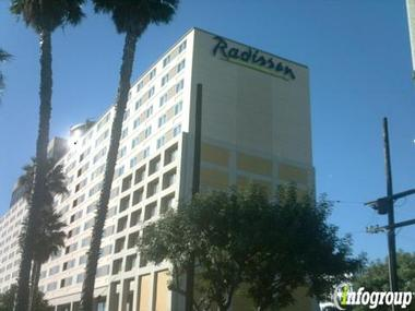 radisson hotel at los angeles airport closed in los. Black Bedroom Furniture Sets. Home Design Ideas